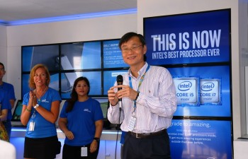Ooi Kim Huat, Vice President of the Technology and Manufacturing Group, General Manager of Penang Assembly and Test Operations at Intel Malaysia delivering the opening remarks at the Intel® InsideOut Experience (IOE) tour