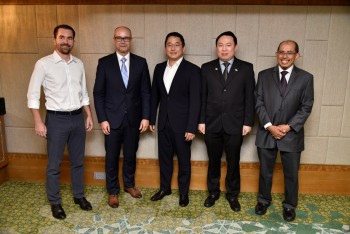 (L-R) David Chmelar, CEO and co-founder of iPrice; Michal Golebiewski, Microsoft Malaysia; Takeshi Numoto, Dr. Karl Ng Kah Hou, and Dr Dzaharudin Mansor, at the media roundtable