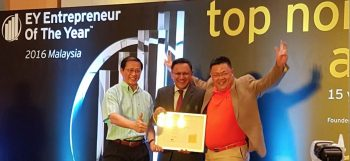 iPay88 Executive Directors, Lim Kok Hing and Chan Kok Long nominated under Technology Entrepreneur category for EOY 2016 award