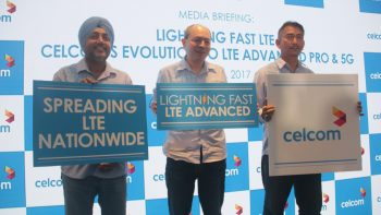 Celcom Axiata Berhad today unveiled its Lightning Fast LTE network. Standing from left to right – Amandeep Singh, Chief Technology Officer Celcom Axiata Berhad, Azwan Khan Osman Khan, Deputy Chief Executive Officer, Business Operations, and Azizee Abdul Aziz, Head of Network Planning & Engineering at the launch.