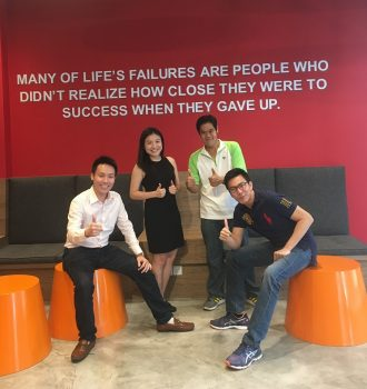 U for Life and PolicyStreet join forces to elevate the digital movement, making life insurance simpler and more affordable From (L) to (R): Wilson Beh, COO PolicyStreet; Winnie Chua, CPO, PolicyStreet; Yen Ming, CEO, PolicyStreet; Kenny Thing, General Manager, U for Life