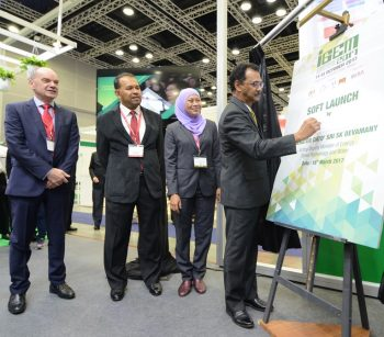 [From left] Alun Jones, General Manager, Malaysian Exhibition Services, Datuk Ir. Mohd Aminuddin Mohd Amin, Senior General manager, Corporate Affairs & Communications, TNB, Elina Jani, Chief Executive Officer, Greentech Ideaslab and Acting Deputy Minister of Energy, Green Technology & Water, Y.B. Senator Datuk Seri SK Devamany during the soft launch of IGEM 2017